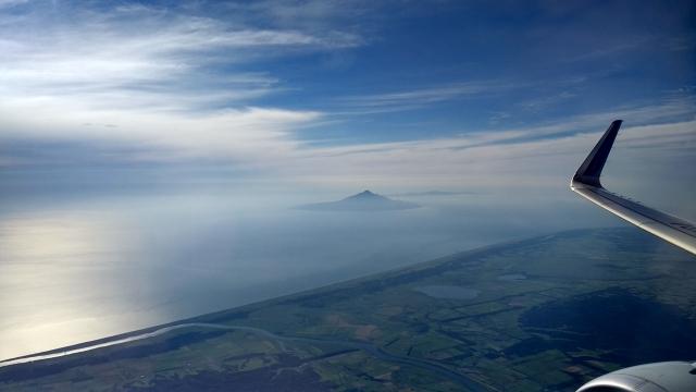 天塩平野と利尻島