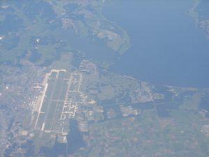 三沢空港と小川原湖