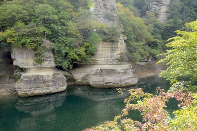 塔のへつり(阿武隈川)
