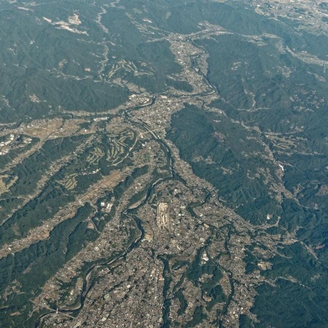 秩父盆地(画面上が北)