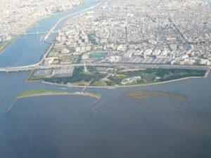 葛西臨海公園。左側が荒川河口