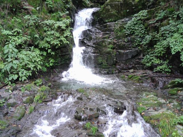 九頭竜の滝(檜原村 奥多摩湖の南)