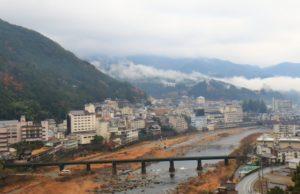 下呂温泉と飛騨川(下呂市)