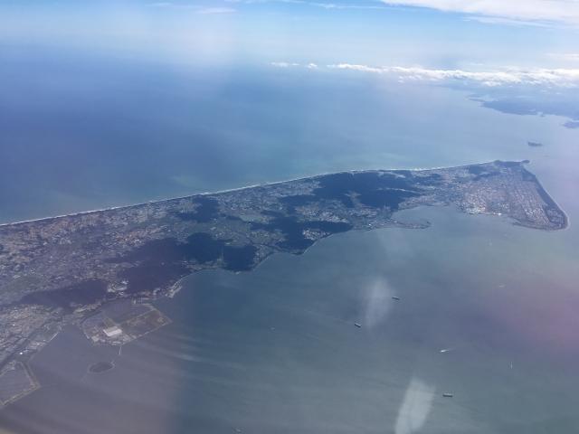 渥美半島(手前が渥美湾、奥が太平洋)