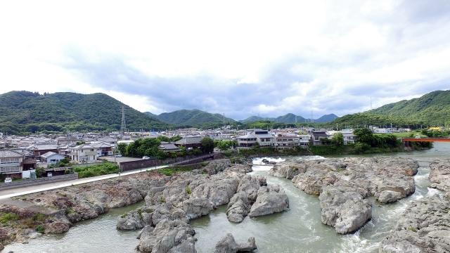 加古川 闘竜灘(加東市) 河口から27km