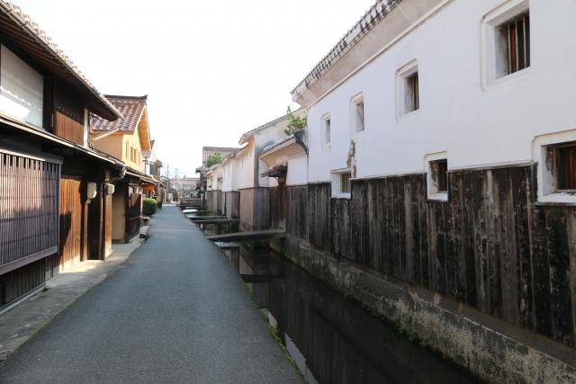 白壁土蔵群(倉吉市)