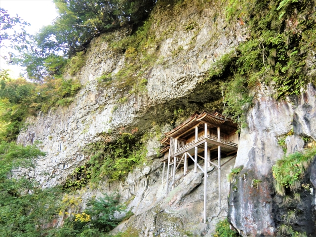 三徳山(東伯郡三朝町)三佛寺の投入堂