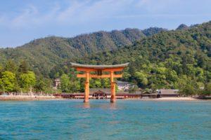 厳島と厳島神社