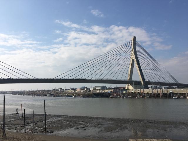 矢部川河口の有明沿岸道路の矢部川大橋