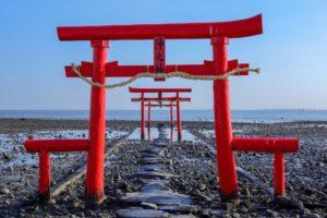 大魚神社の海中鳥居(太良町)