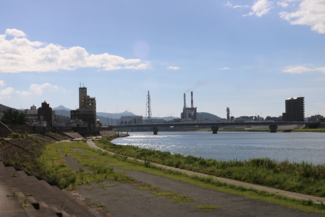 川内川河口より約7km上流左岸より河口方面