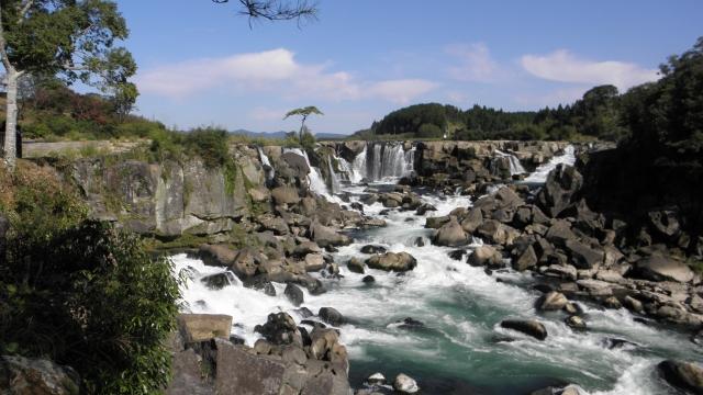 東洋のナイアガラ(の一つ)曽木の滝
