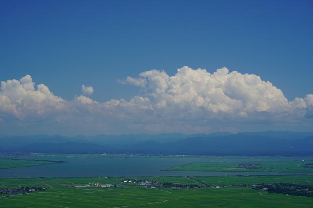 寒風山山頂からの八郎潟